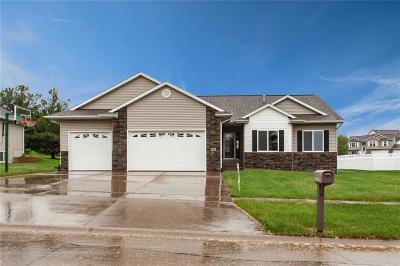 Fairfax Single Family Home For Sale: 391 Prairie View Circle