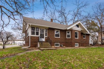 Cedar Rapids Single Family Home For Sale: 2601 1st Avenue SE