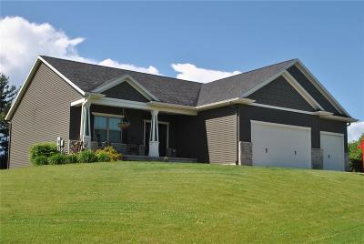 Shueyville, Swisher Single Family Home For Sale: 1391 Lakewood Drive NE