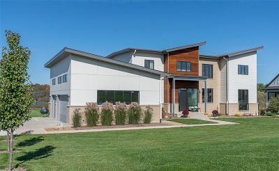 Solon Single Family Home For Sale: 4128 Deacon Lane NE