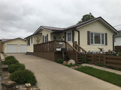 Vinton Single Family Home For Sale: 515 W 10th Street