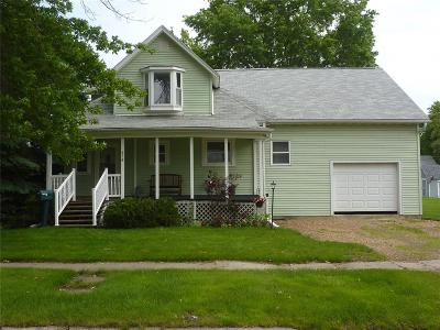 Marengo IA Single Family Home For Sale: $155,000