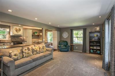 Shueyville, Swisher Single Family Home For Sale: 1521 Park Ridge Drive NW