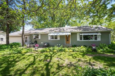 Anamosa Single Family Home For Sale: 105 N Sales Avenue