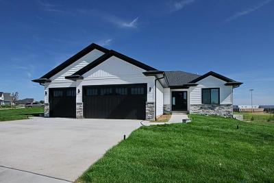 North Liberty Single Family Home For Sale: 1445 Tartan Drive