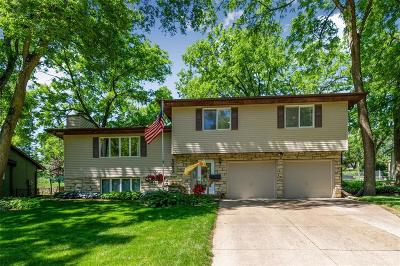 Cedar Rapids Single Family Home For Sale: 5050 Charter Oak Lane SE