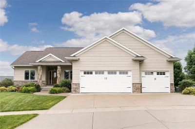 Cedar Rapids Single Family Home For Sale: 4708 Holly Circle NE