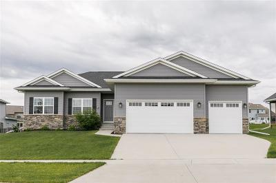 North Liberty Single Family Home For Sale: 1725 Stone Creek Circle
