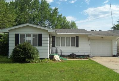 Marengo IA Single Family Home For Sale: $87,000