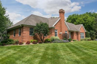 Cedar Rapids Single Family Home For Sale: 2101 Cottage Lane
