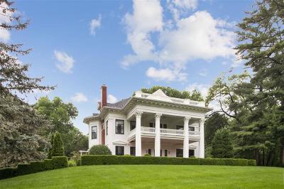 Cedar Rapids Single Family Home For Sale: 317 Forest Drive SE