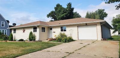 Vinton Single Family Home For Sale: 1307 B Avenue