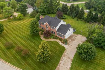 Cedar Rapids Single Family Home For Sale: 3155 Diamond Drive