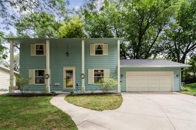 Cedar Rapids Single Family Home For Sale: 3814 Valley Place NE