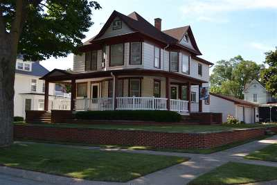 Dyersville Single Family Home For Sale: 224 4th SE Avenue