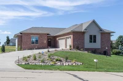 Peosta Single Family Home For Sale: 16628 Cordillera Drive