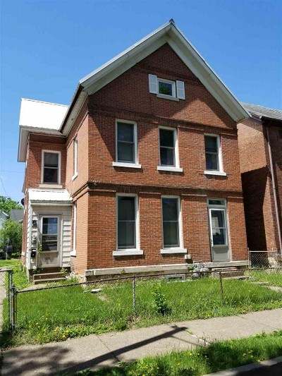Dubuque Multi Family Home For Sale: 2131 Jackson Street