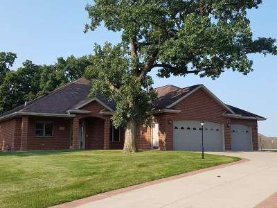 Dyersville Single Family Home For Sale: 911 SW 6th Street