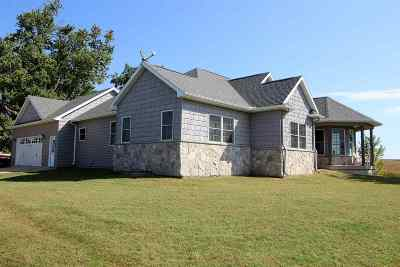 Single Family Home For Sale: 2368 110 Street