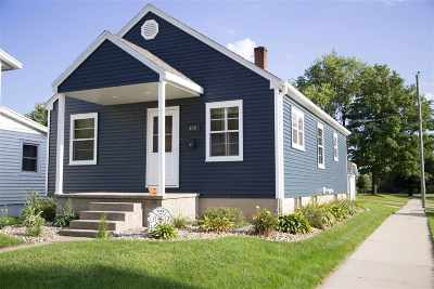 Dyersville Single Family Home For Sale: 429 2nd Ave. SW Avenue