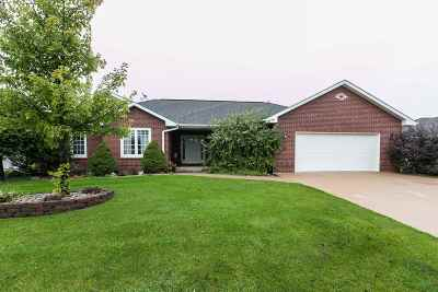 Dubuque Single Family Home Subj Tocontingency-Noshow: 2396 Whitetail Drive