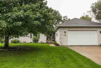 Dubuque Single Family Home For Sale: 10388 Dixie Drive