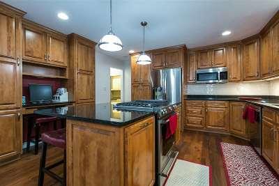 Dubuque Single Family Home For Sale: 6205 Pennsylvania Avenue