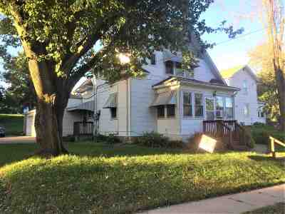 Dubuque Multi Family Home For Sale: 1037 Rush Street