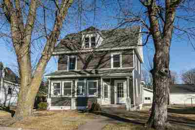 Single Family Home For Sale: 103 N 6th Street