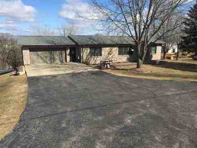 Dubuque Single Family Home For Sale: 14025 N Cascade Road