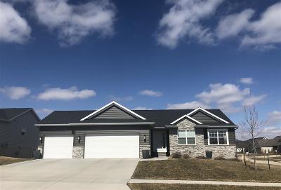 Single Family Home For Sale: 1302 Crescent Oak Lane