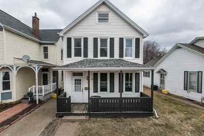 Dubuque Single Family Home For Sale: 2418 Windsor Avenue