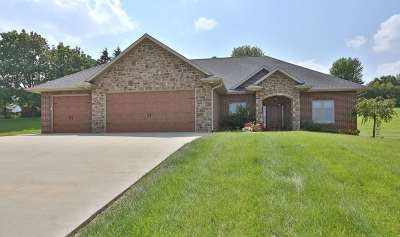 Single Family Home For Sale: 16797 Daisy Trail