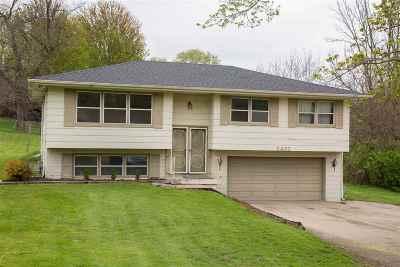 Dubuque Single Family Home For Sale: 2432 Radford Road