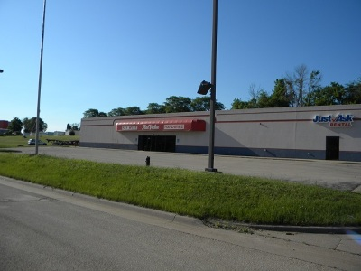 Dubuque, Asbury, Bellevue, Guttenberg, Baldwin, Holy Cross, Sherrill, Peosta, Dyersville, Farley, Bernard, East Dubuque, Epworth Commercial Lease For Lease: 2100 Stone Hill Drive