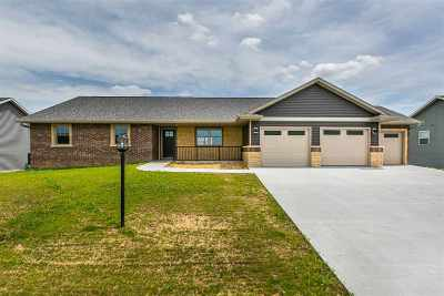 Cascade Single Family Home For Sale: 161 SE Mulberry Drive
