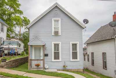 Dubuque Single Family Home For Sale: 716 Hennepin Street
