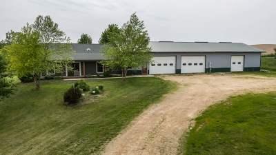 Maquoketa IA Single Family Home For Sale: $640,000