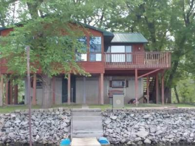 Single Family Home For Sale: 586 Cottage Road