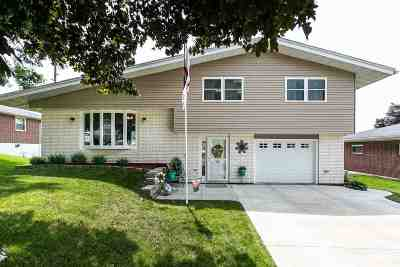 Single Family Home For Sale: 104 Brinker Court
