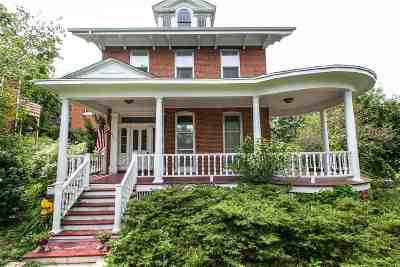 Dubuque Single Family Home For Sale: 1209 Highland Place