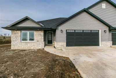 Dubuque Single Family Home For Sale: Lot 9 Charleston Court