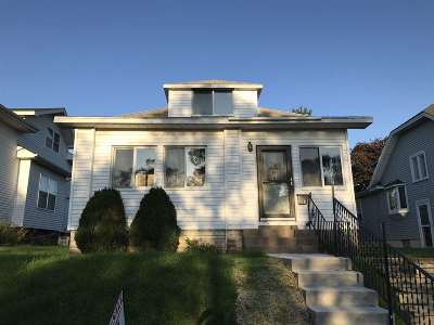 Single Family Home For Sale: 2604 Marquette Place