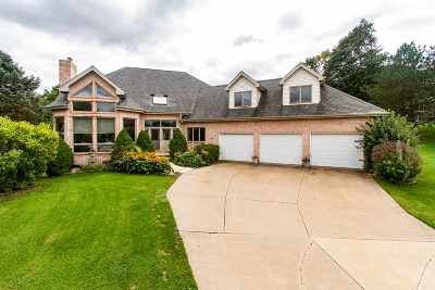 Dubuque Single Family Home For Sale: 2937 Thornwood Court