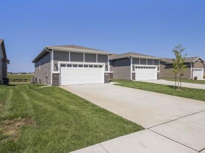 Altoona Condo/Townhouse For Sale: 2422 3rd Avenue SE