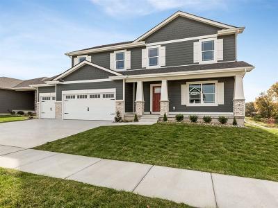 Waukee Single Family Home For Sale: 20 Bailey Circle