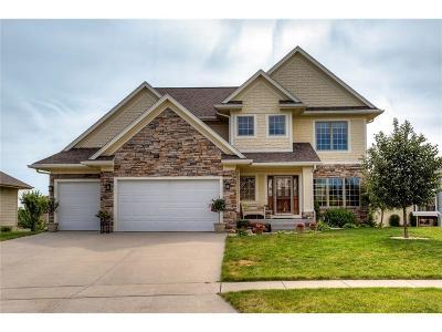 Waukee Single Family Home For Sale: 2055 Sugar Creek Drive
