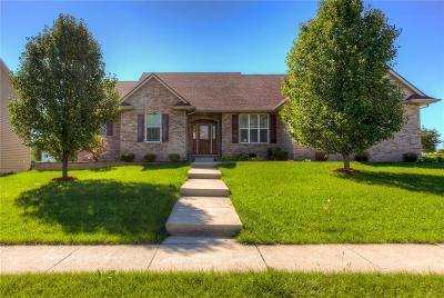 West Des Moines Single Family Home For Sale: 8990 Lake Drive