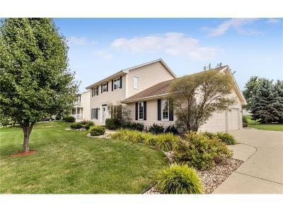 West Des Moines Single Family Home For Sale: 4638 Fieldstone Drive