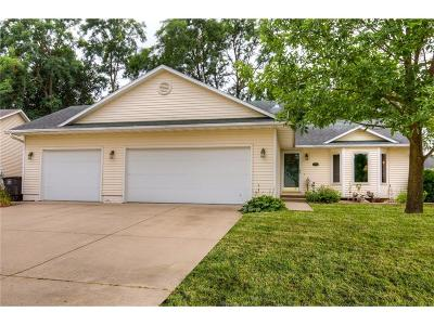 Des Moines Single Family Home For Sale: 3002 Timber Hill Court